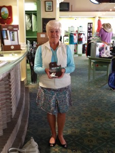 Mrs. Mitchie - Hole in one on Olivos