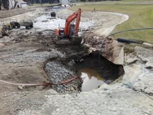 Daños en lago del hoyo 11 - 11th hole lake's damage.