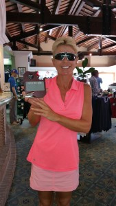 "Another ""Hole in One"" at Los Olivos by Julie Louis - Julie Louis repite con un ""Hoyo en Uno"" en Los Olivos."