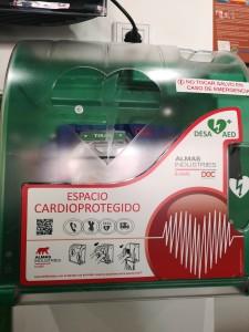 Desfibrilador con Teleasistencia 24/7 - Defibrillator with remote control 24/7